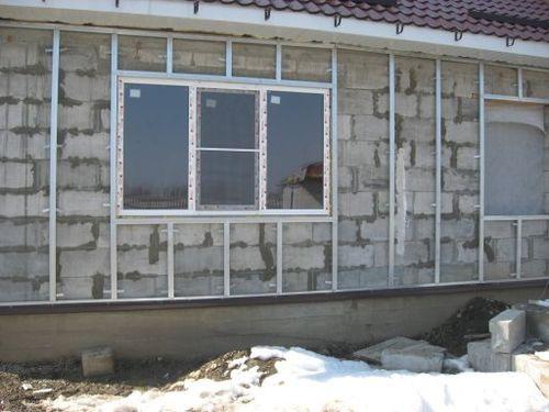 Установка сайдинга своими руками на дом из газобетона