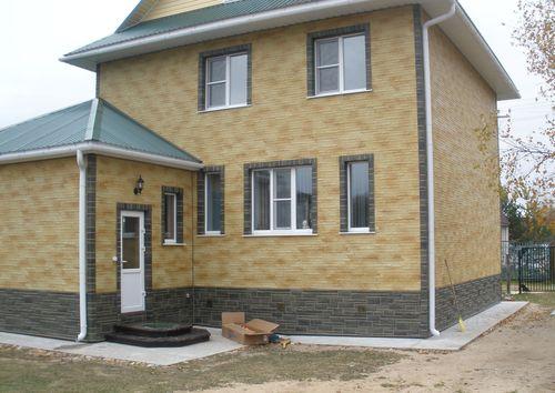 оформления фасада дома сайдингом_5