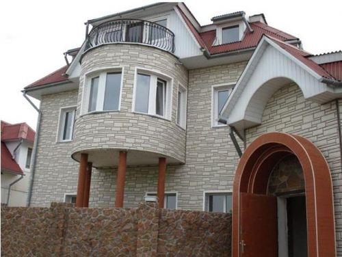 оформления фасада дома сайдингом_7