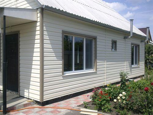 Технология облицовки сайдингом фасадов домов и зданий